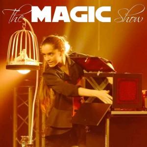Laure nourri magicienne